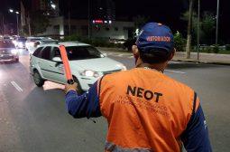 Mais de 30 motoristas são flagrados dirigindo sob o efeito de álcool no final de semana