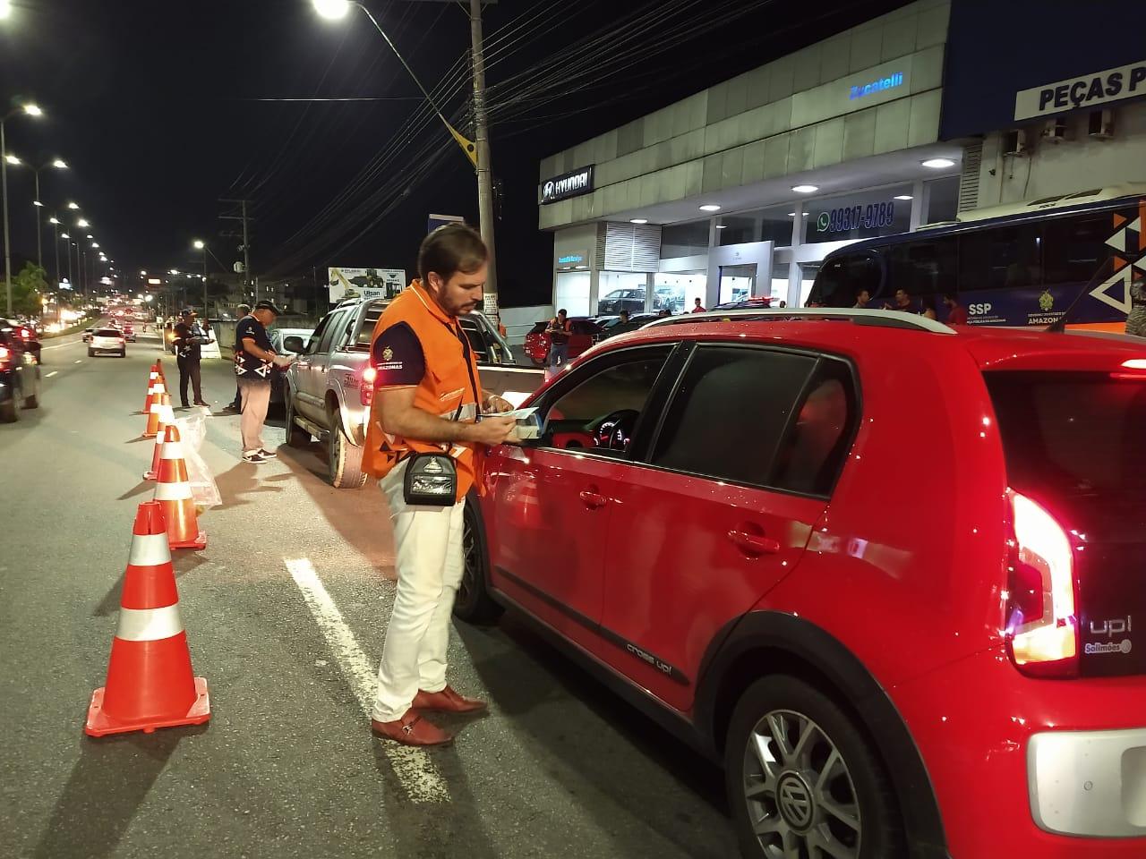 Em Manaus, 28 motoristas são flagrados dirigindo sob o efeito de álcool no fim de semana