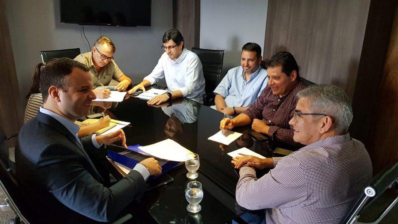 Diretor-presidente do Detran-AM se reúne com secretário de Infraestrutura