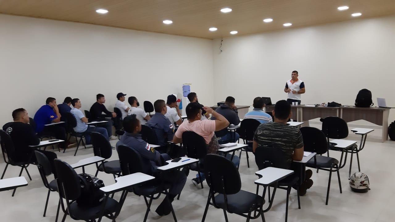 Detran-AM realiza curso de Formação e Atualização para agentes de trânsito em Manacapuru