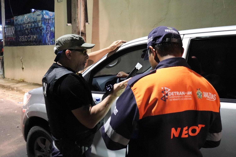 Detran-AM flagra 106 motoristas dirigindo alcoolizados em março