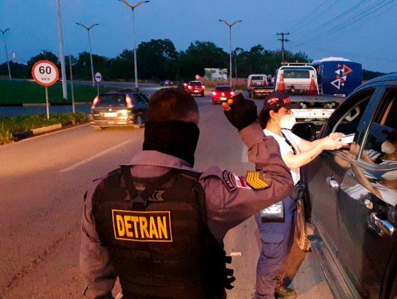 Detran-AM flagra 50 motoristas dirigindo embriagados neste fim de semana prolongado