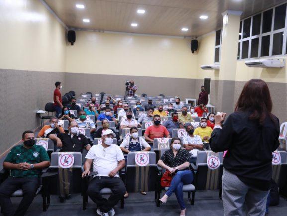 Transporte coletivo: curso capacita mais de 250 motoristas que atuam nos modais Alternativo e Executivo de Manaus